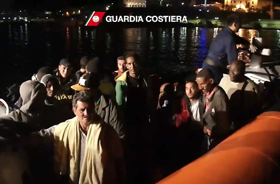 Survivors of the Misrata boat sinking off Lampedusa (P{goto: Italian Coast Guard)