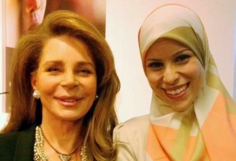 Queen Noor of Jordan with Aala Murabit (R)