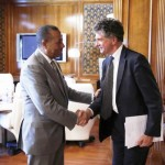 Prime Minister Abdullah Al-Thinni meets with British Prime Ministerial envoy