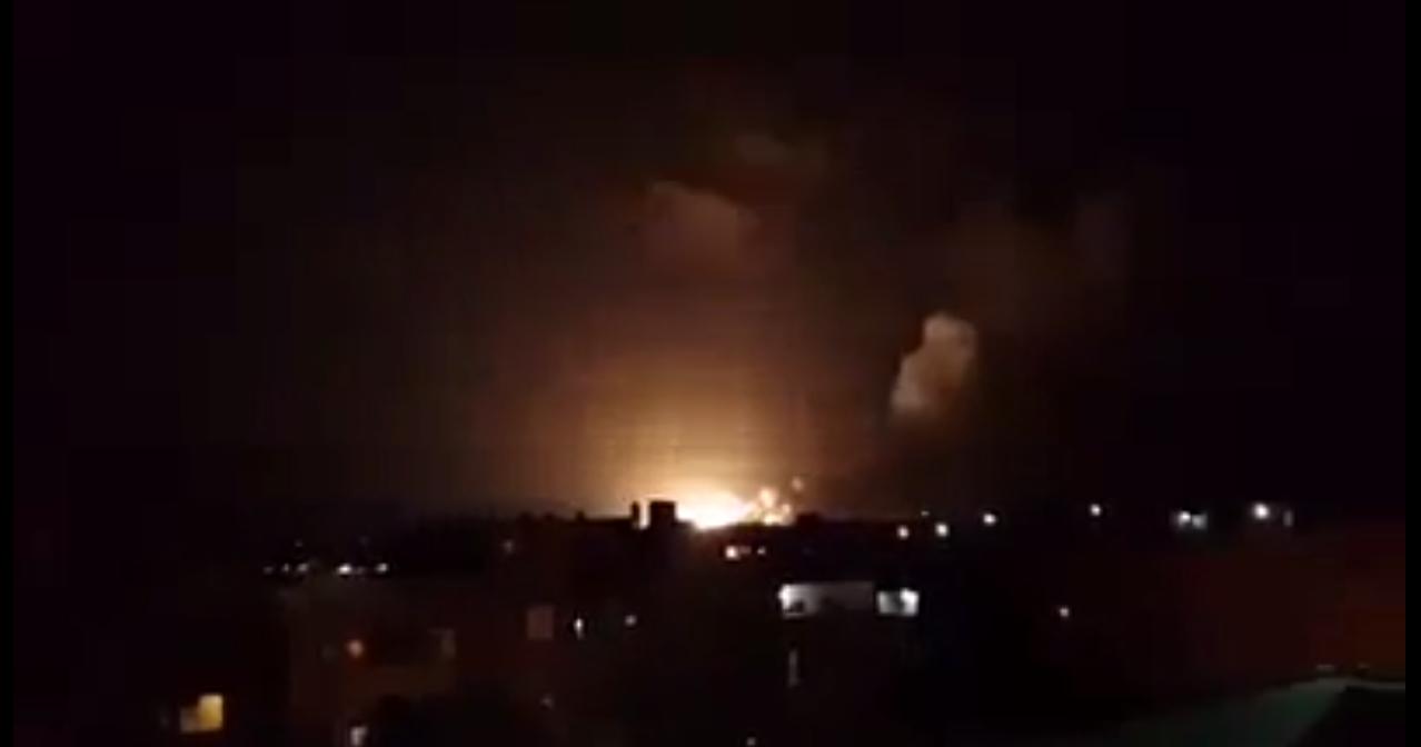 Explosions in Benghazi's Buatni district (Photo: Social Media)
