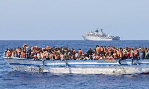 Migrants being picked up by a British warship (Photo:Royal Navy)