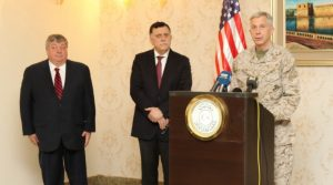 General Waldhauser with Serraj and US envoy Peter Bodde (Photo: US Navy)