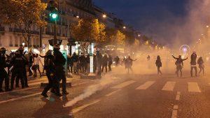 Champs Elysée protests