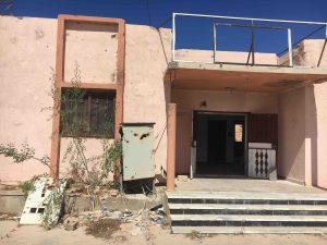 A shell-scarred, near derelict Sirte health centre (Photo: Ezideen Ahmad)