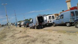Tunisian cars adapted with extra large fuel tanks for smuggling queue on the Libyan-side of the Libyan-Tunisian border awaiting processing (Photo: Fuel and Gas Crisis Committee).